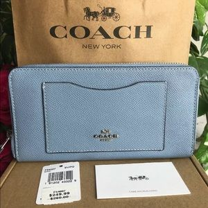 Coach F54007 Accordion Crossgrain Leather Wallet